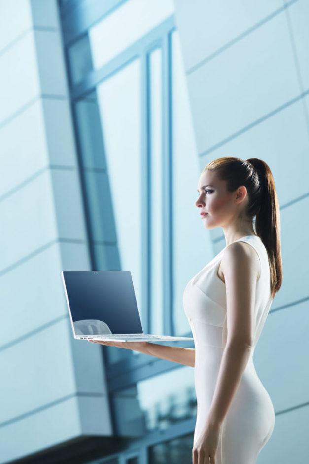 Bechtle_Mobile_Katalog_Werbefotografie_Laptop